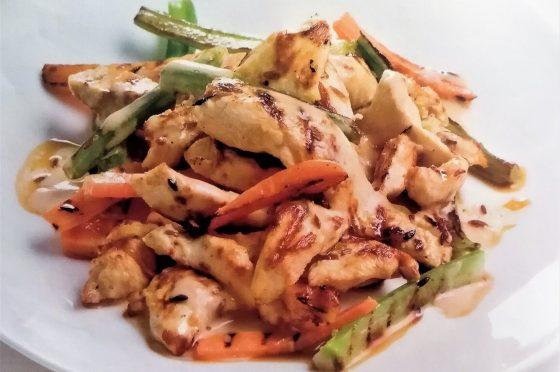 Pollo marinato con verdure grigliate