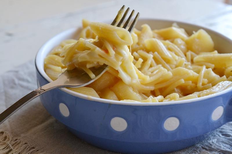 pasta e patate,pasta e patate napoletana,pasta e patate con provola,le ricette di tina