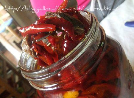 Conserva di peperoni sott olio
