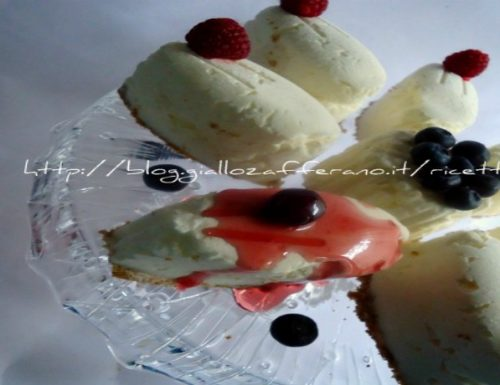 Cheesecake ai mirtilli e lamponi