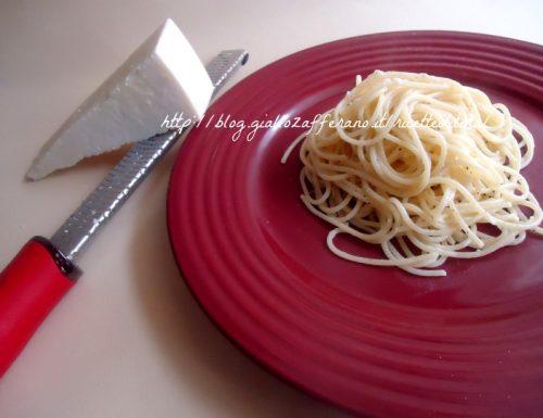 Spaghetti cacio e pepe a modo mio
