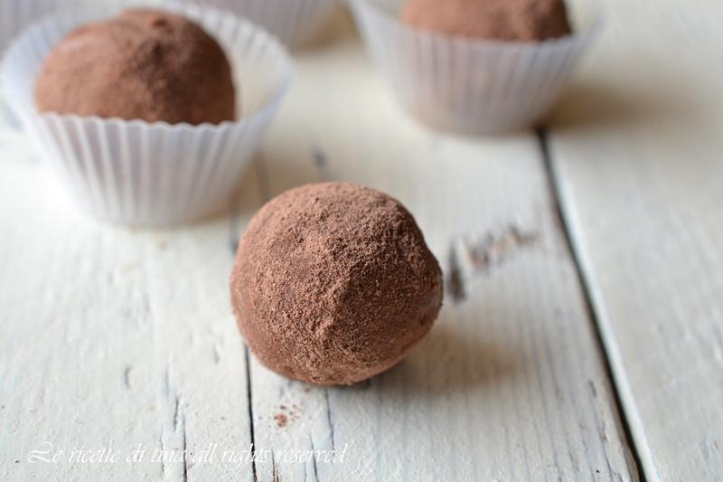 Tartufini Al Cioccolato E Amaretti