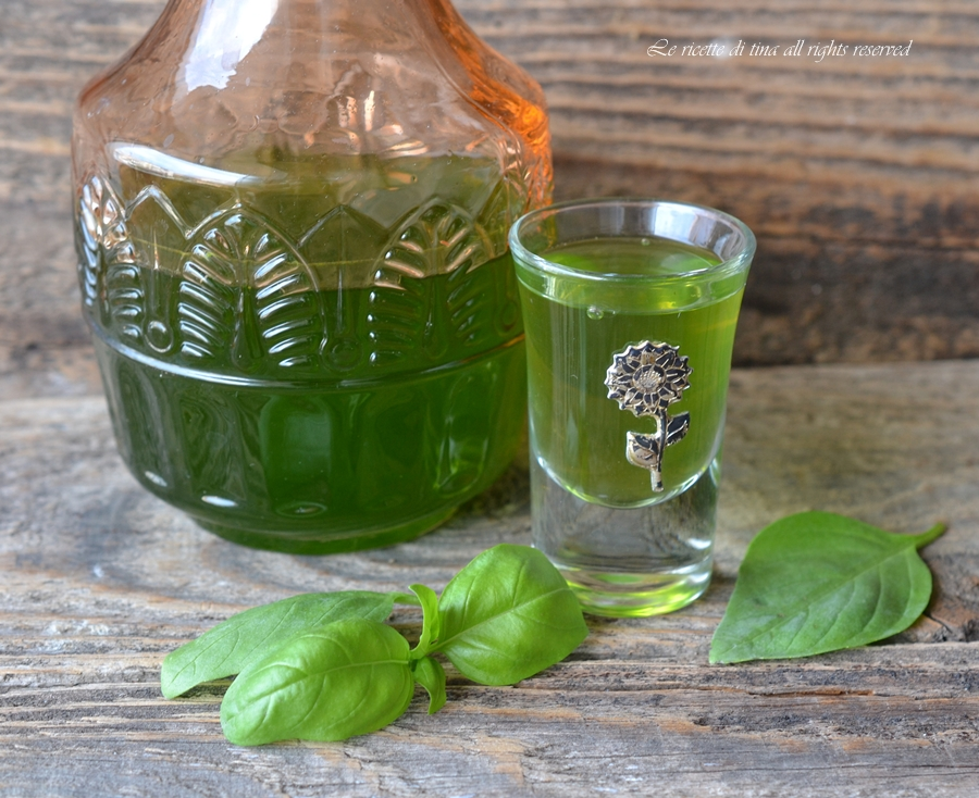 Liquore al basilico for Basilico in casa