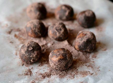 Dolcetti al caffe e cioccolato senza cottura ne uova