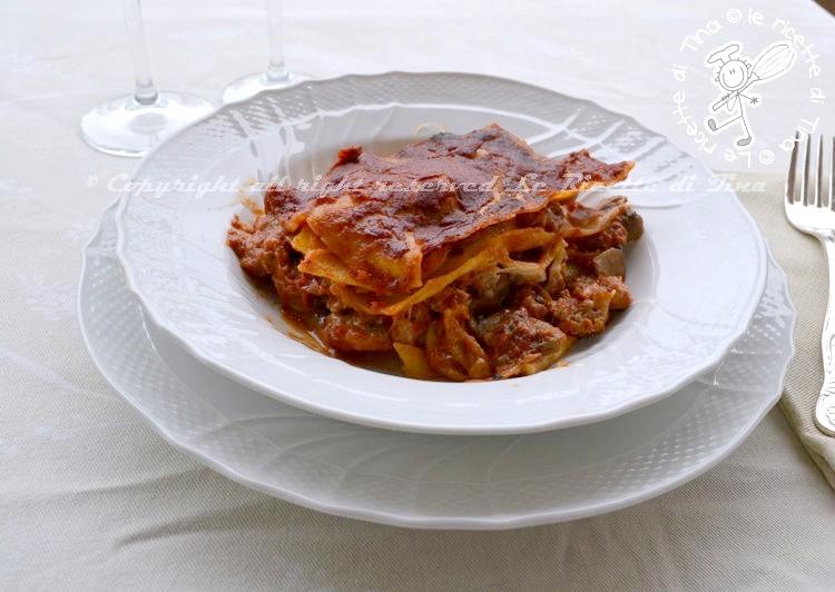 lasagne con funghi,funghi e salsiccia,lasagne