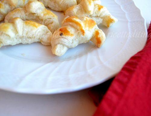 Cornetti al salmone antipasto per il cenone di Capodanno