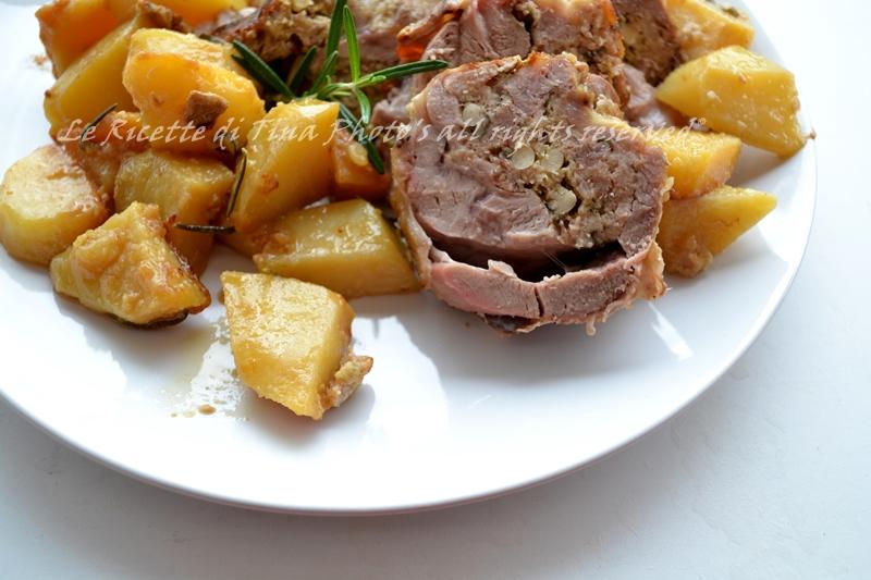 cosciotto di agnello agnello con patate al forno