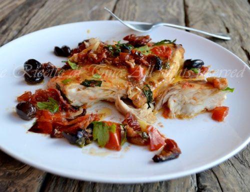 Pesce persico al forno con pomodorini