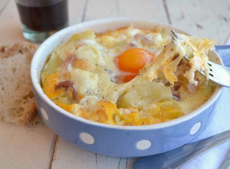 Uova con patate al forno