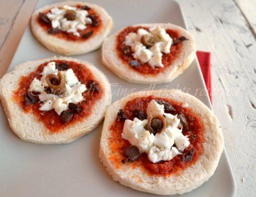 Finte pizzette per antipasto