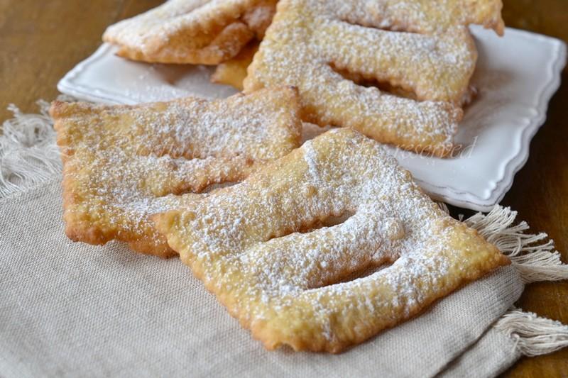 Chiacchiere ricetta bimby for Ricette bimby dolci