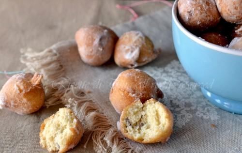frittelle con uvetta,frittelle,frittelle di carnevale,dolci di carnevale,ricette di carnevale,dolci con uvetta,le ricette di tina,