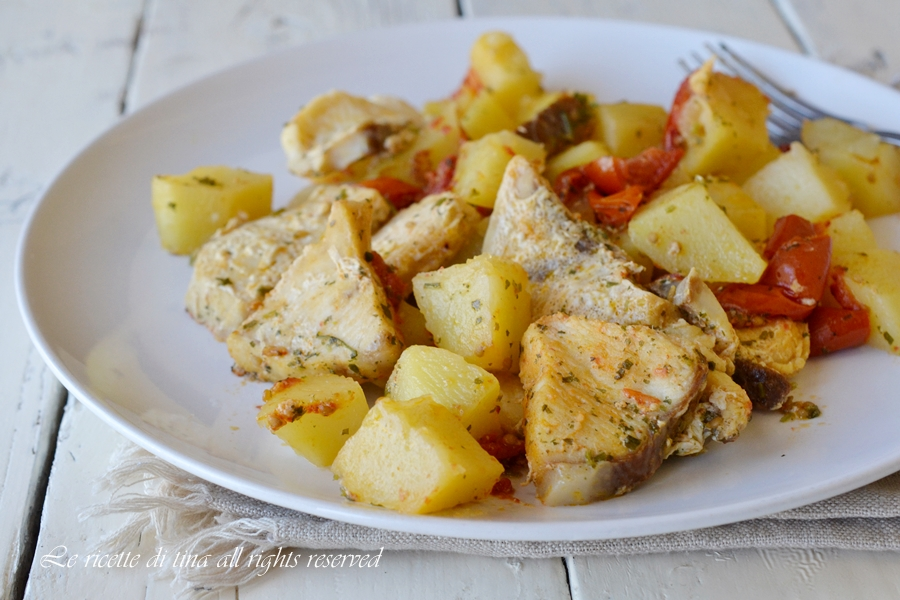 Pesce spada con patate in padella for Ricette con patate
