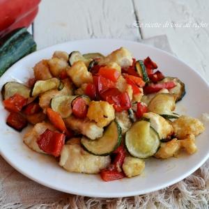 Pollo peperoni e zucchine