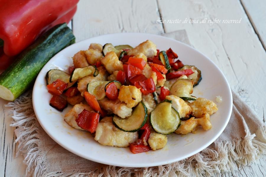 pollo peperoni e zucchine,pollo con peperoni,pollo con zucchine,pollo con verdure,le ricette di tina