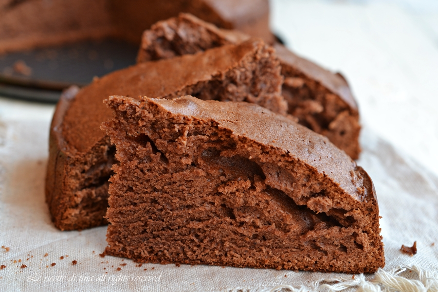 torta amaretti bimby,torta cioccolato bimby,torta amaretti e cioccolato bimby,dolci bimby,le ricette di tina