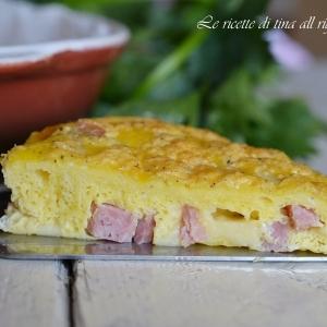 Frittata con prosciutto cotto e formaggio
