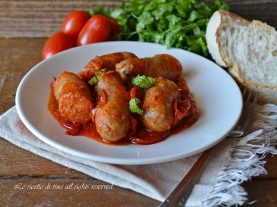 salsiccia in padella,salsiccia con pomodorini,salsiccia,pomodorini,salsiccia in padella con pomodorini,le ricette di tina