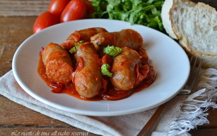 Salsiccia con pomodorini in padella