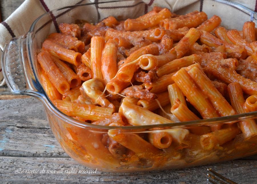 pasta salsiccia e mozzarella