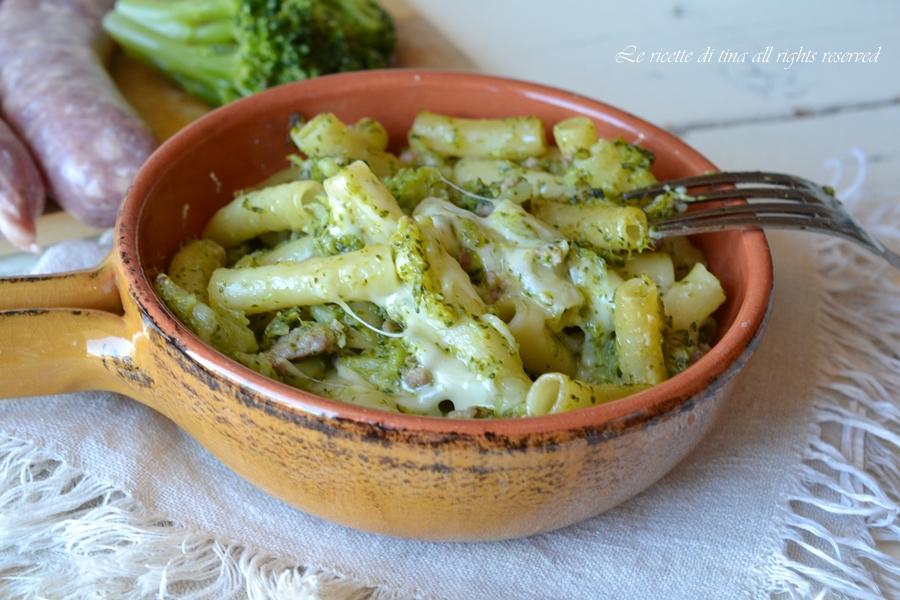 pasta broccoli e salsiccia al forno