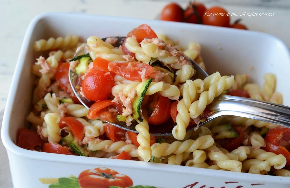 Pasta fredda zucchine e tonno un primo piatto veloce e gustoso for Primo piatto veloce