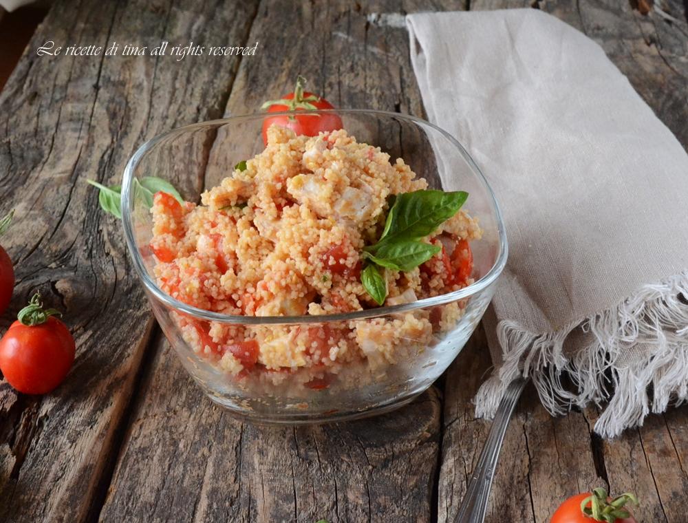 Cous cous con petto di pollo e pomodorini