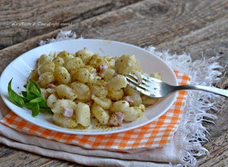 Gnocchi cremosi con pistacchi e pancetta