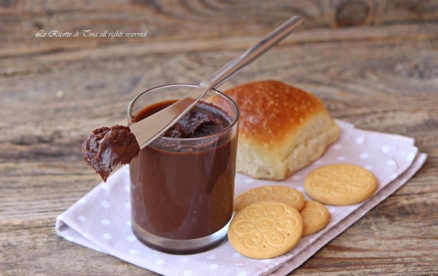 Ricetta Nutella Senza Nocciole.Crema Spalmabile Senza Nocciole E Senza Burro Al Cioccolato