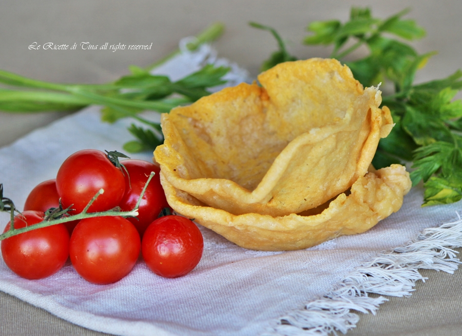 Come preparare i cestini di parmigiano