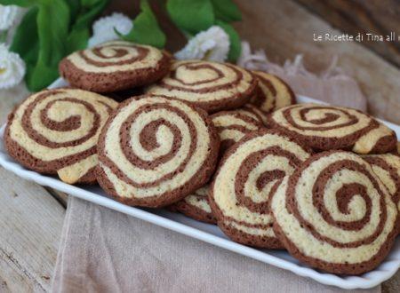Biscotti girelle bicolore