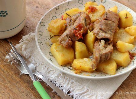 Costine con patate in padella