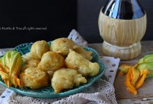 Frittelle con fiori di zucca