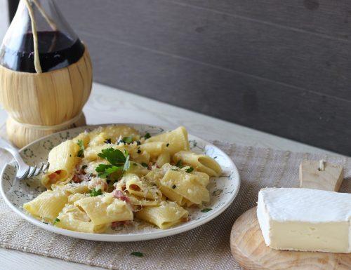 Pasta brie e pancetta
