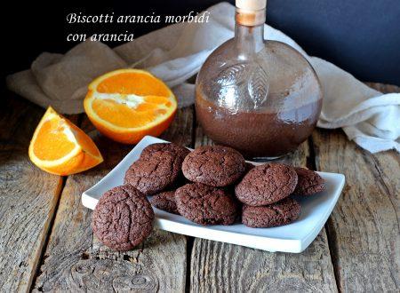 Biscotti arancia morbidi al cioccolato