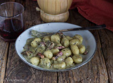 Gnocchi con gorgonzola e funghi