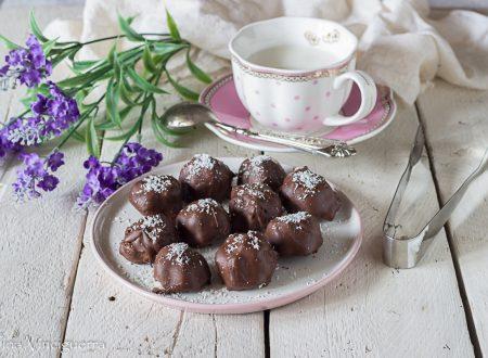 Praline al cocco ricoperte di cioccolato