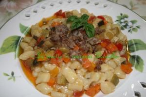 gnocchi verdure e salsiccia(ricetta primo)