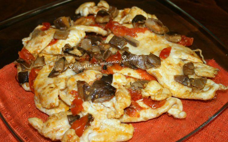SCALOPPINE DI POLLO AI FUNGHI PLEUROTUS E POMODORINI(ricetta sencondo carne)