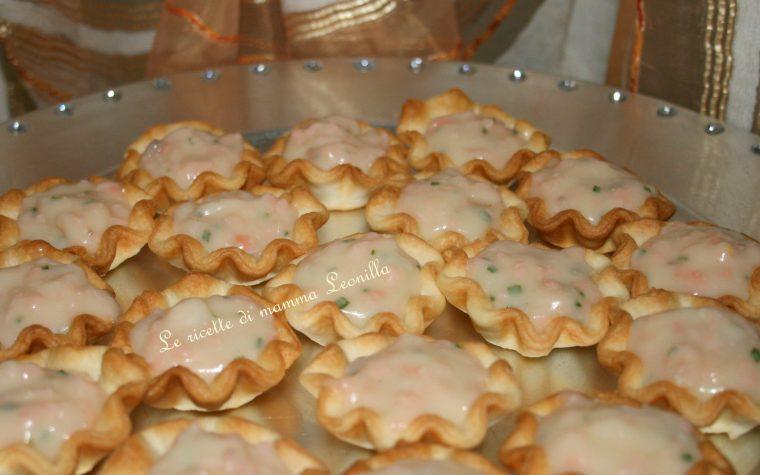 CESTINI AL SALMONE ED ERBA CIPOLLINA (ricetta antipasto di pesce)