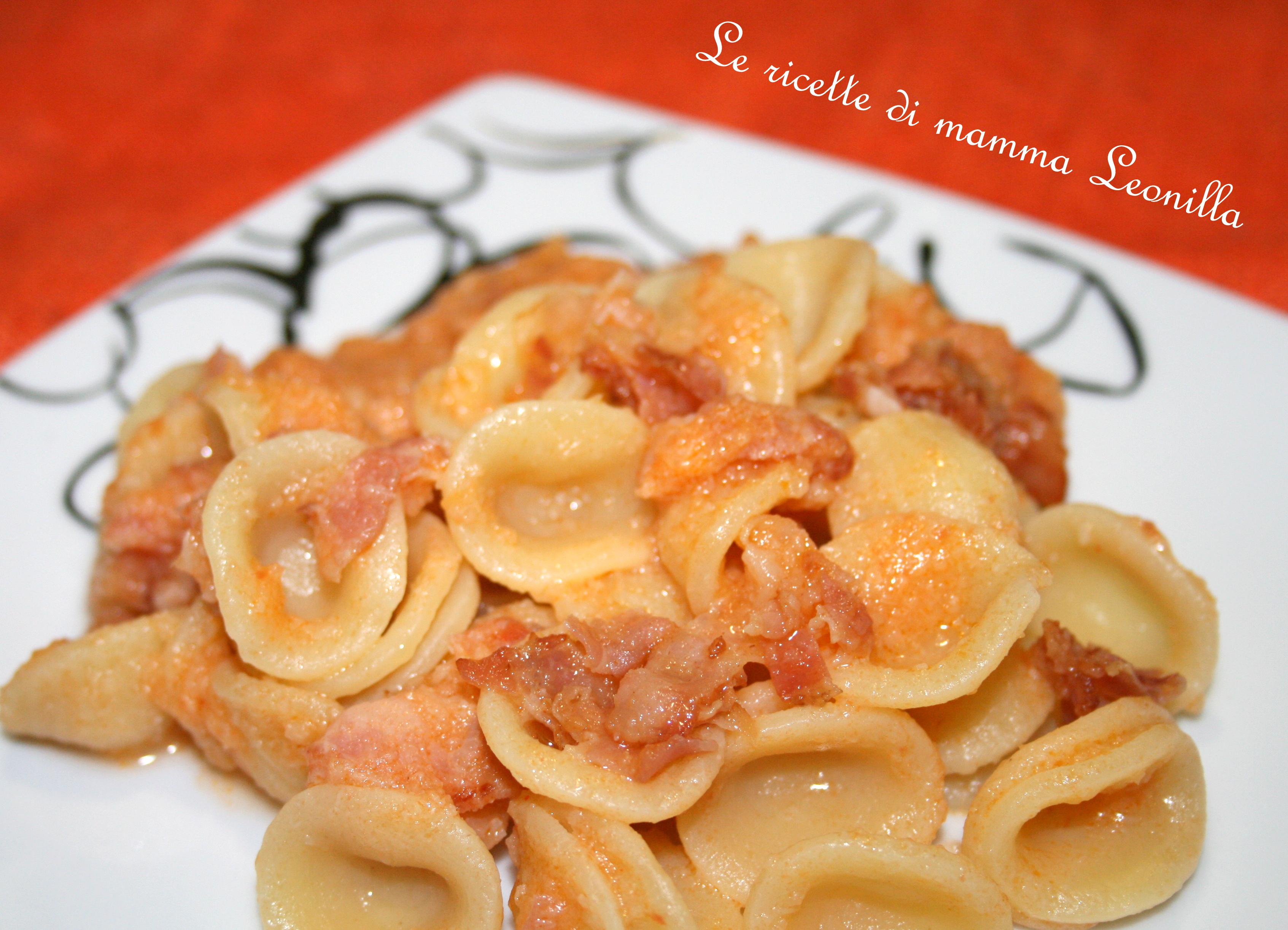 Risultati immagini per ORECCHIETTE al pomodoro e pancetta