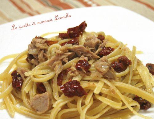 LINGUINE AL TONNO E POMODORI SECCHI -ricetta primo veloce