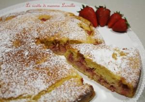 TORTA ALLO YOGURT CON FRAGOLE E COCCO -ricetta dolce semplice