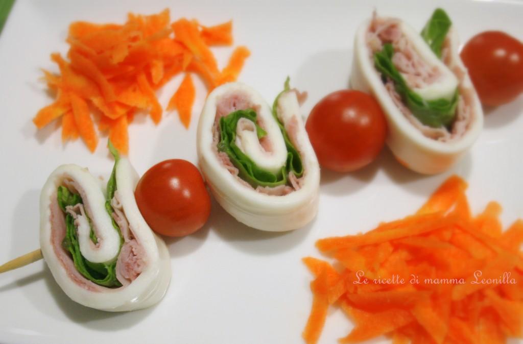 GIRELLE DI MOZZARELLA FARCITE -ricetta finger food estivo