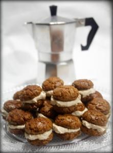 BACI DI AMARETTI CON MASCARPONE AL CAFFE' - ricetta dolce veloce