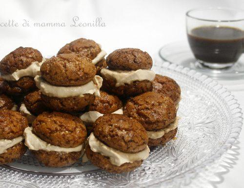 BACI DI AMARETTI CON MASCARPONE AL CAFFE' – ricetta dolce veloce