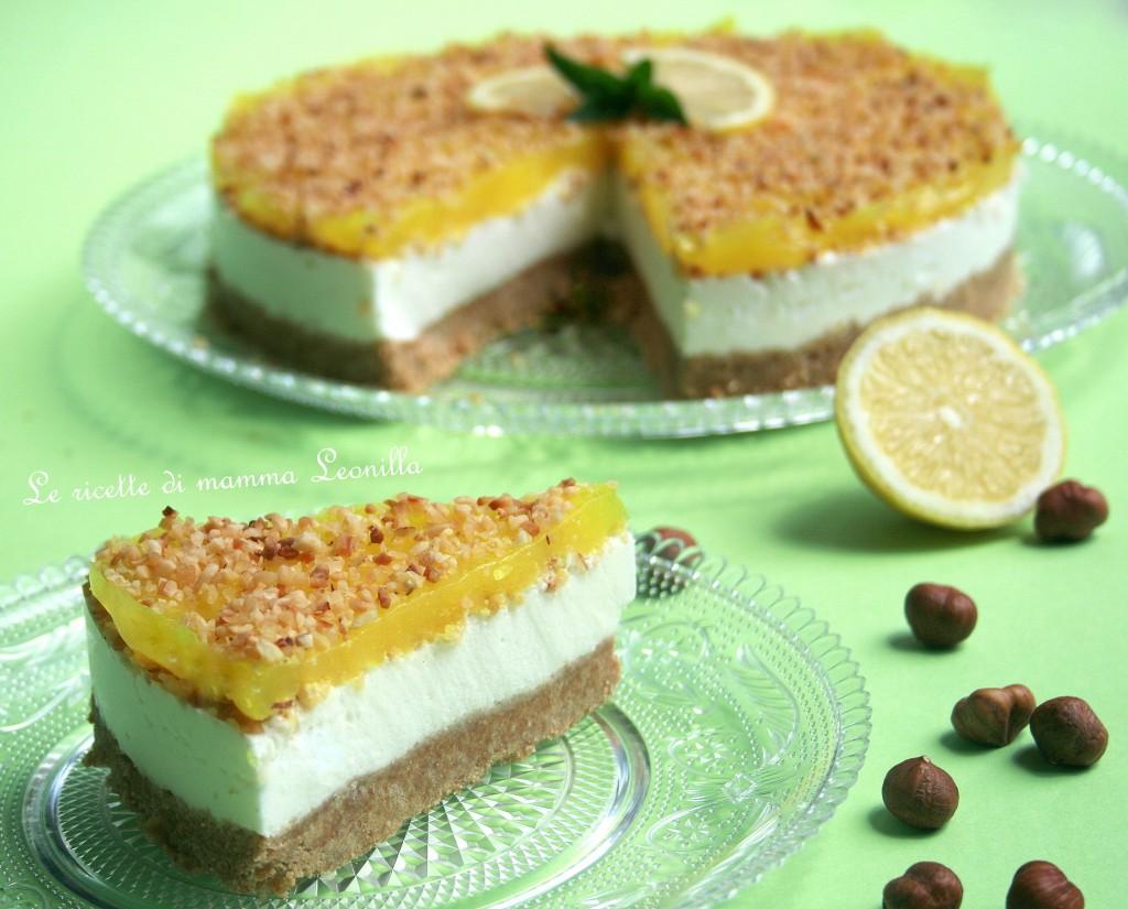 TORTA ALLO YOGURT AL LIMONE, NOCCIOLE E GELATINA FATTA IN CASA -ricetta dolce
