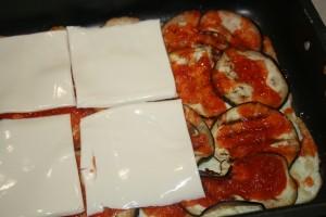 ROTOLO DI SOLI ALBUMI CON MELANZANE ALLA PIZZAIOLA - ricetta vegetariana