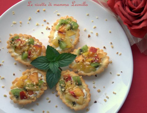 TARTELLETTE ALLA FRUTTA E MOUSSE DI YOGURT -ricetta dolce