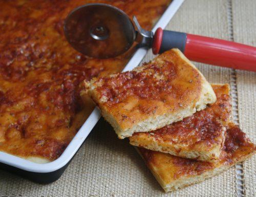 PIZZA IN TEGLIA SOFFICE  CASALINGA- ricetta lievitata
